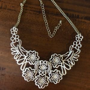 Silver laced necklace